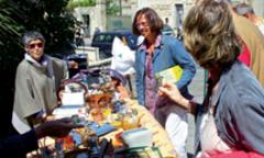 2011 - Vide Grenier à Saint-Geniès-des-Mourgues